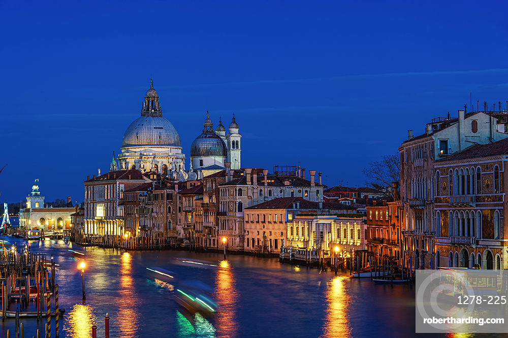 Grand Canal night view and buildings on Dorsoduro with Santa Maria Della Salute (Basilica of Saint Mary of Health), Venice, UNESCO World Heritage Site, Veneto, Italy, Europe