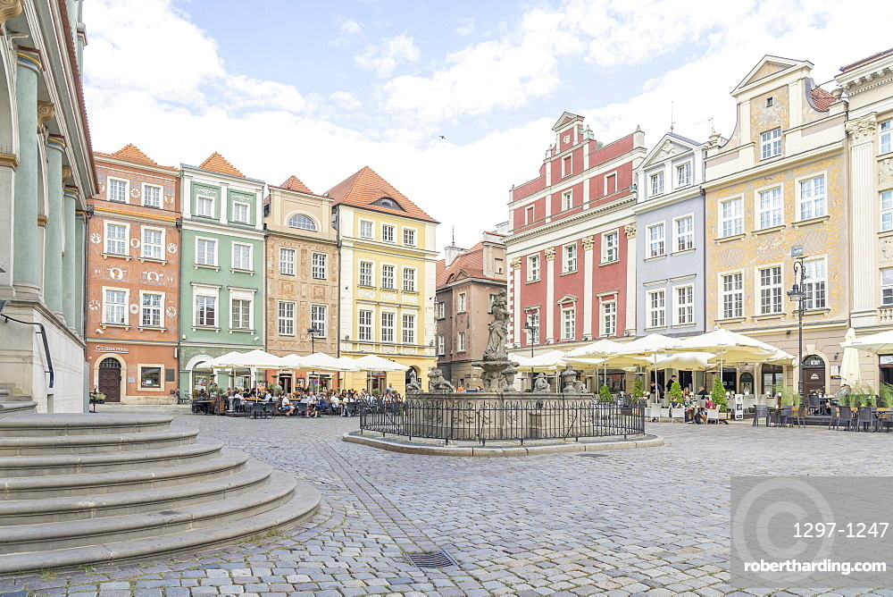 Fountain of Proserpina, Old Town Square, Poznan, Poland, Europe