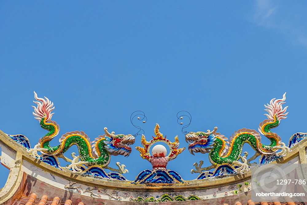 Detail on the roof of Eng Chuan Tong Tan Kongsi clan house in George Town, Penang Island, Malaysia, Southeast Asia, Asia
