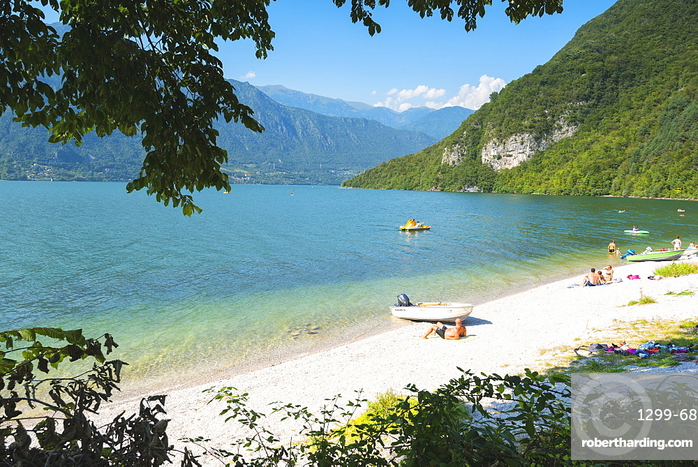 Bathers on the shores of Lake Idro, Valle Sabbia, Brescia province, Lombardy, Italy, Europe