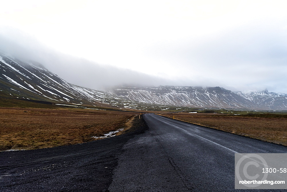 Road 54 at the peninsula above Reykjavik early in the morning, Iceland, Polar Regions