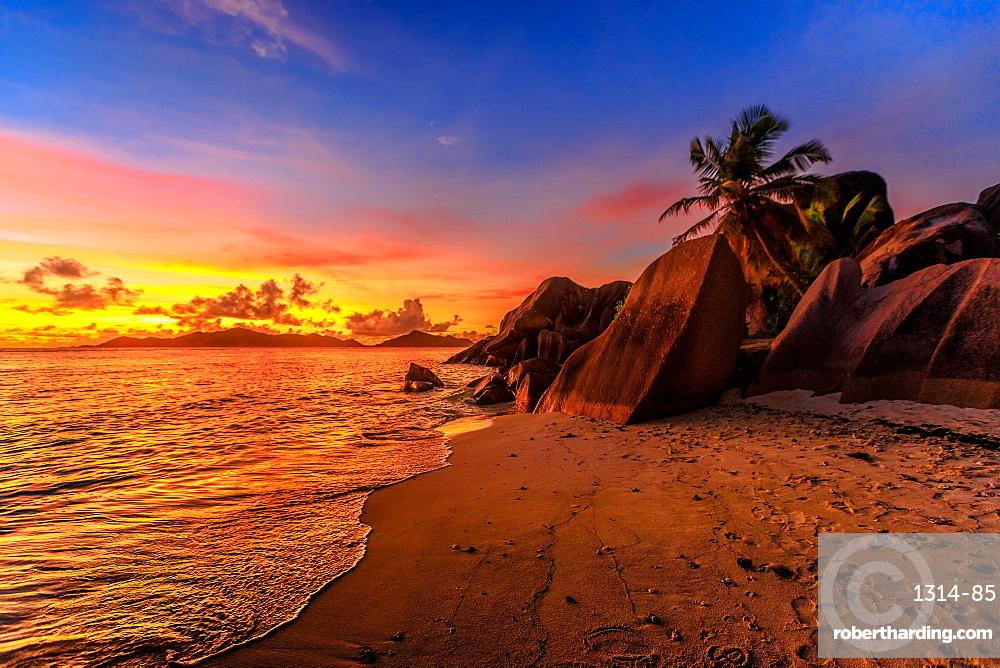 Anse Source d'Argent Beach at sunset, La Digue, Seychelles, Indian Ocean, Africa