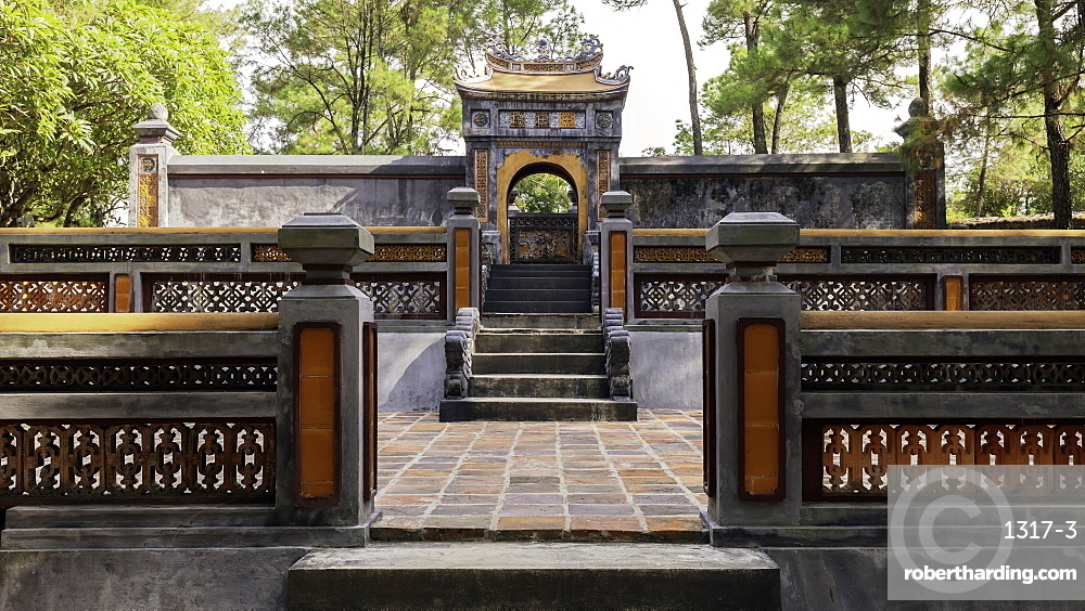 Tomb of Empress Le Thien Anh in Emperor Tu Duc???s Royal tomb