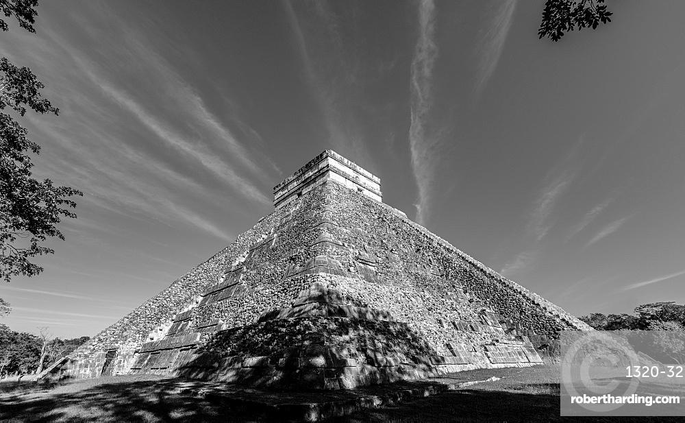 The Mayan Ruins of Chichen Itza, UNESCO World Heritage Site, Yucatan, Mexico, North America