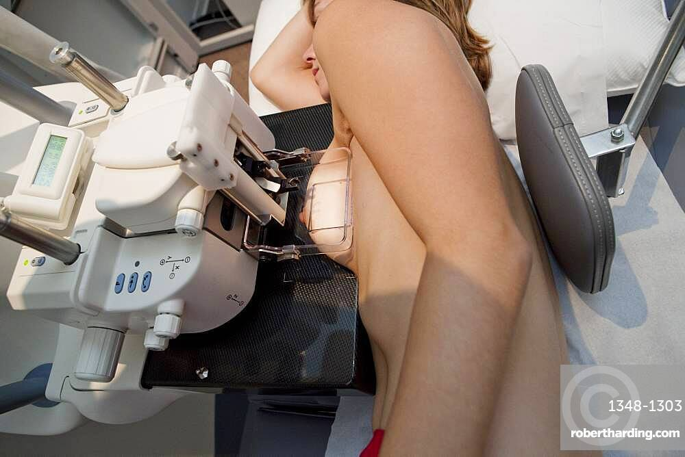 Positioning for a macrobiopsy.