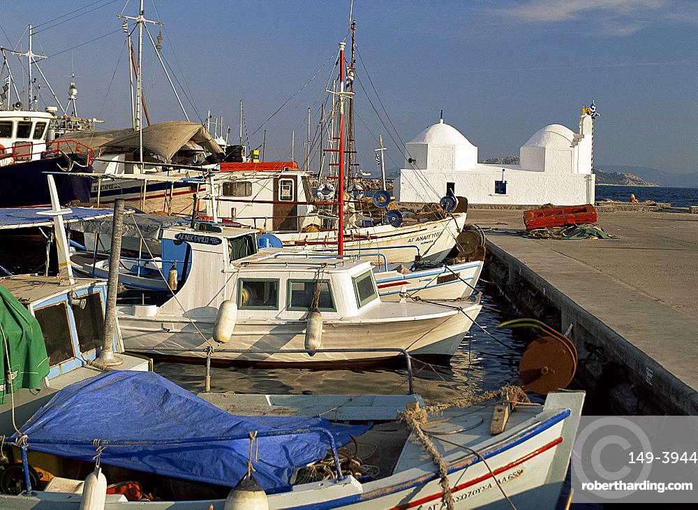 Harbour and church, Aegina Town, Aegina, Argo Saronic islands, Greek Islands, Greece, Europe