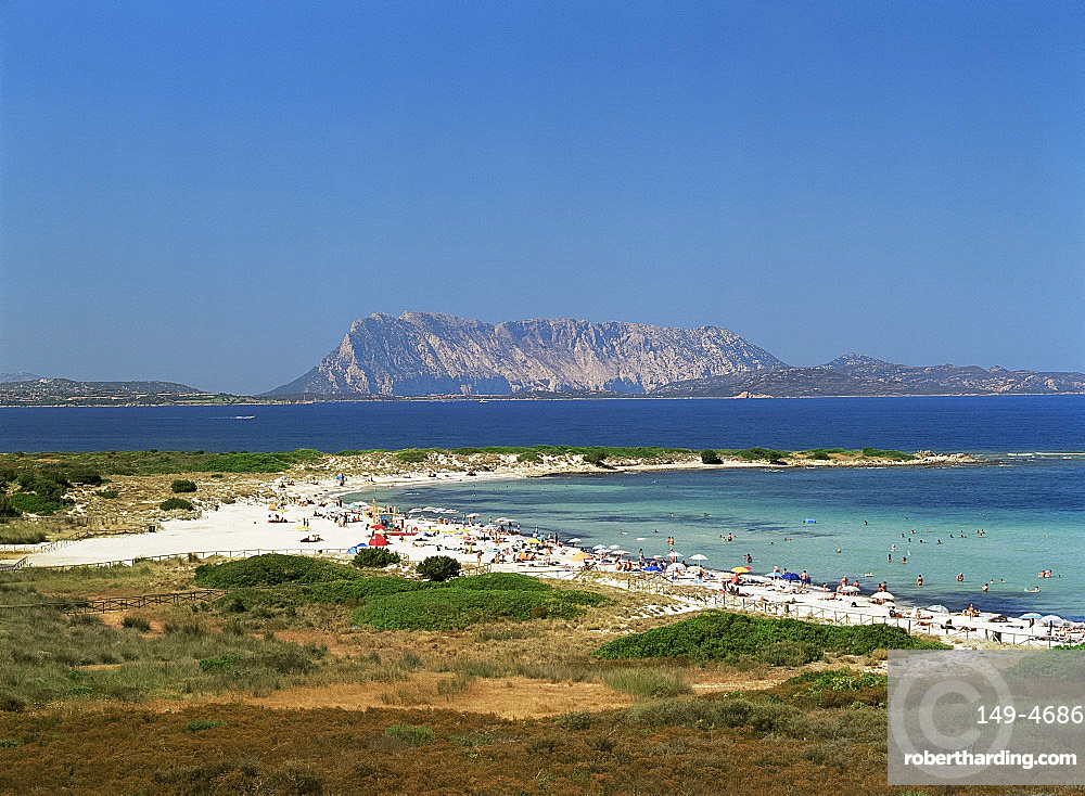 L'Isuledda Beach and Isola Tavolara, northeast coast, island of Sardinia, Italy, Mediterranean, Europe