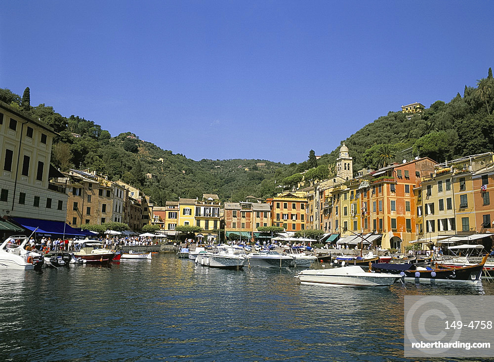 Pastel buildings and boats in the harbour, Portofino, Liguria, Italy, Europe