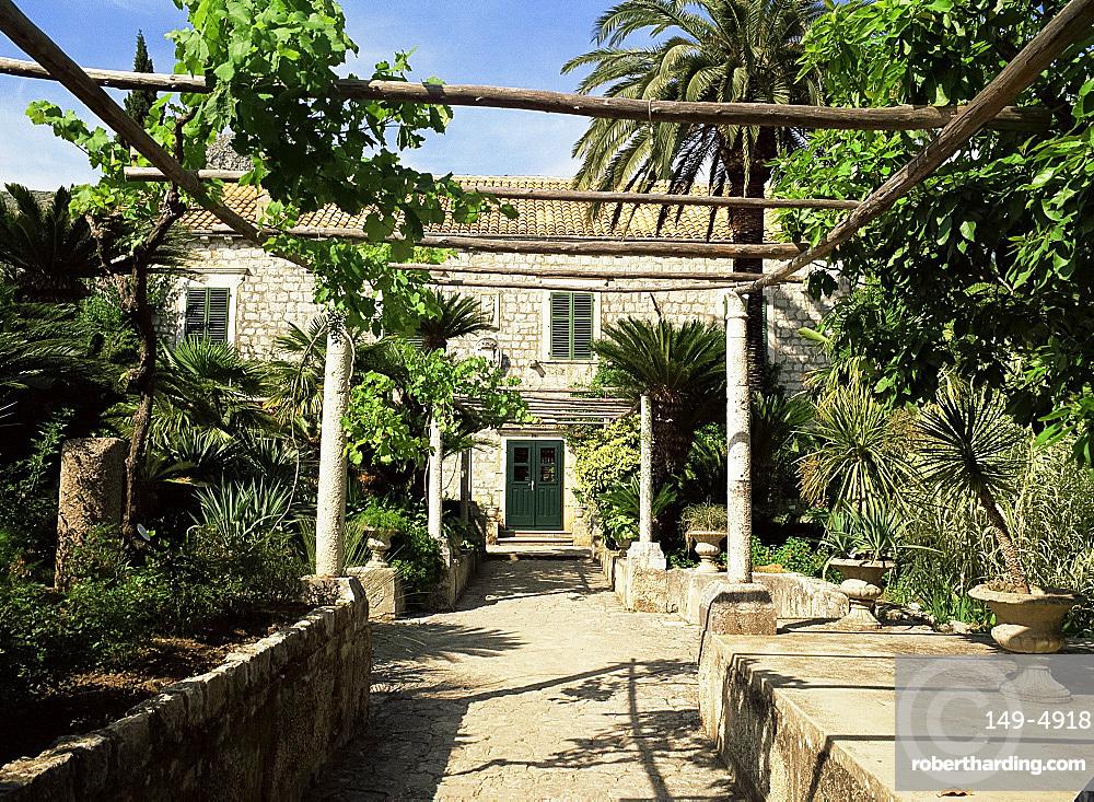 The garden and villa at Trsteno on the Dalmatian Coast, Croatia, Europe