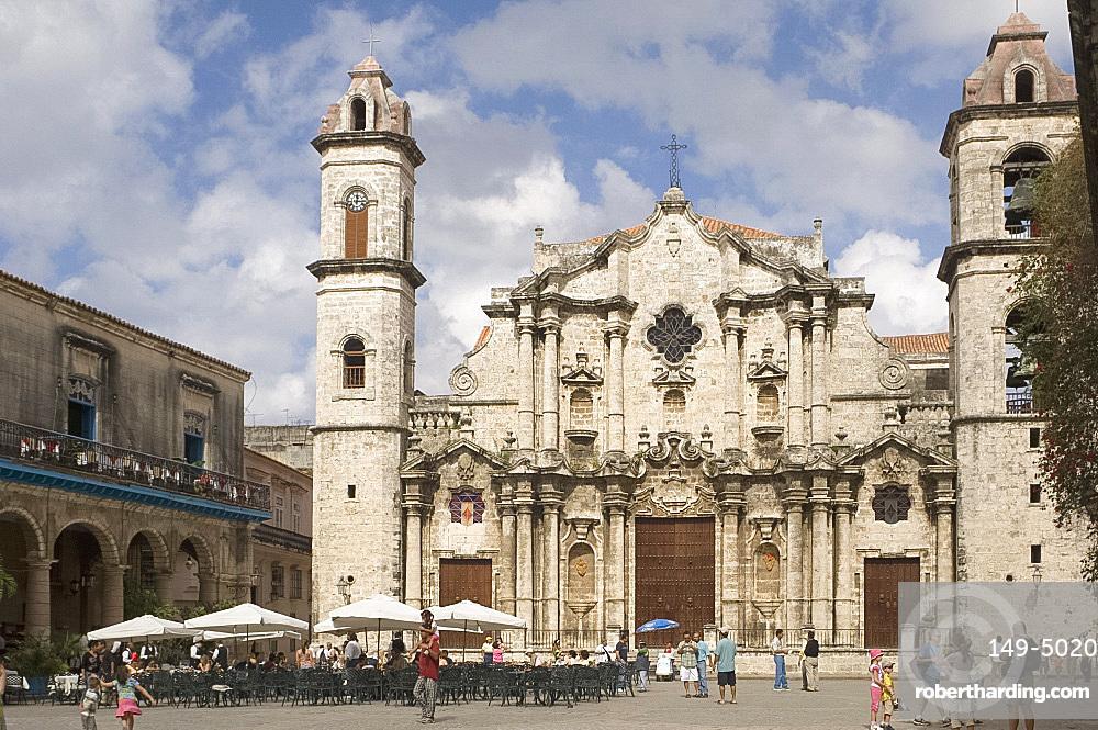 Catedral de San Cristobal, Plaza de la Catedral, Habana Vieja (old town), Havana, Cuba, West Indies, Central America