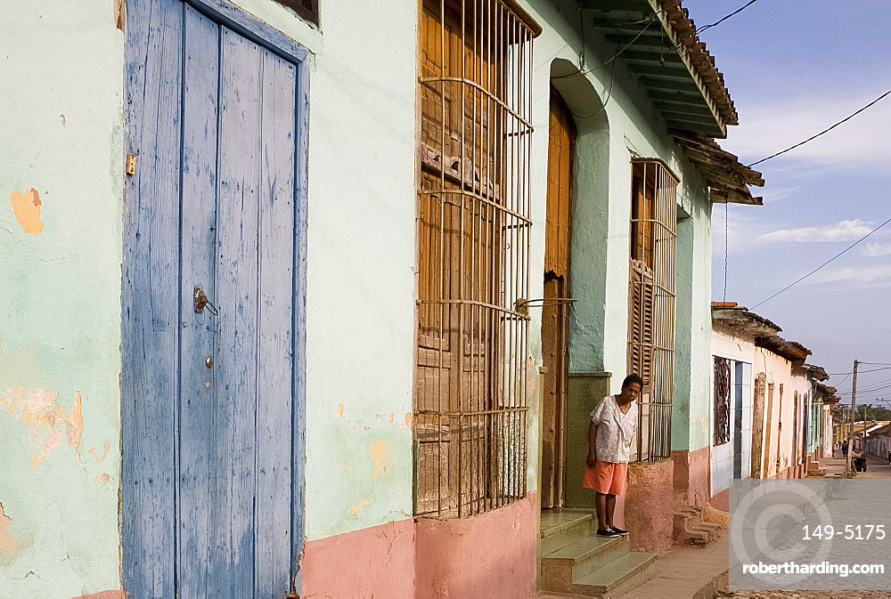 Colourful painted houses along a cobbled street, Trinidad, UNESCO World Heritage Site, Cuba, West Indies, Central America