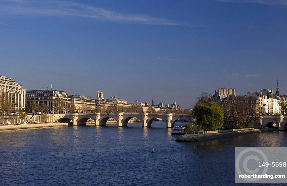 The Pont Neuf over the Seine River, Paris, France, Europe