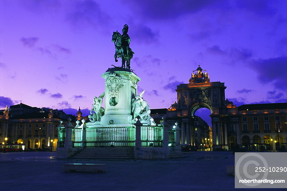 Statue of Jose I and Triumphal Arch, Lisbon, Portugal, Europe
