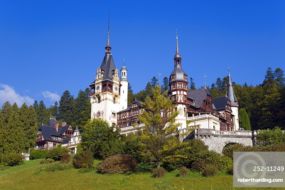 Peles Castle, the Royal Palace, intended as a summer residence by King Carol I, constructed between 1875 and 1914, Sinaia, Carpathian mountains, Transylvania, Romania, Europe