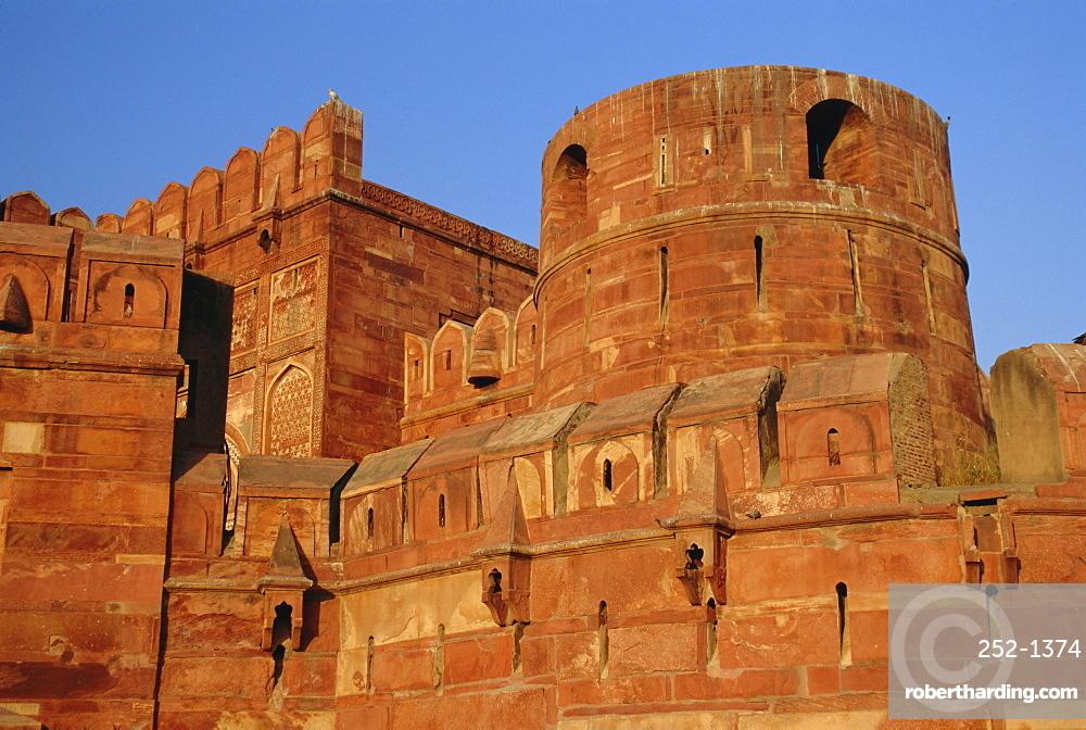 The Red Fort, built by the Moghul emperor Akbar, Agra, Uttar Pradesh, India