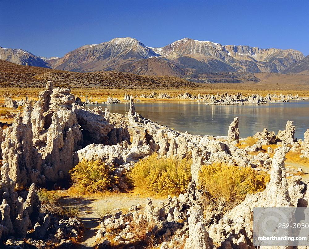 Tufas of calcium carbonate, Mono Lake State Reserve, California, USA