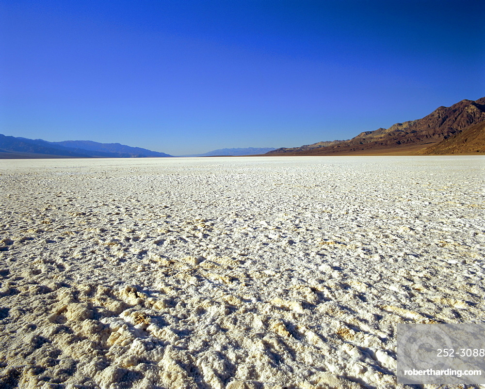 Salt Flats at Badwater, at minus 282 feet the lowest point in the USA, Death Valley National Monument, California/Nevada, USA