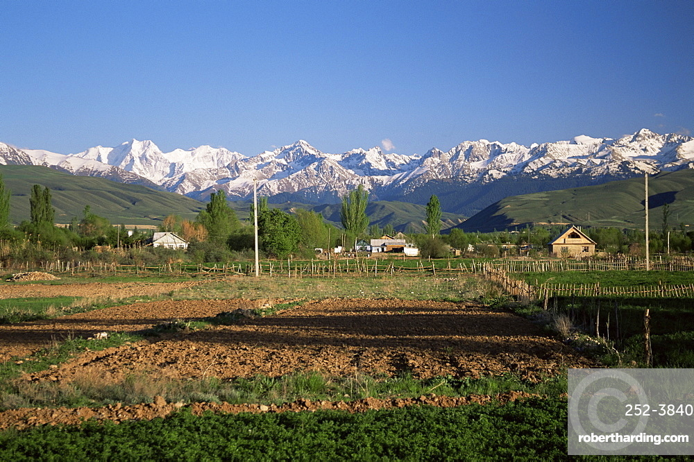 Tersey Ala-Too mountains of the Tien Shan range, by Lake Issyk-kul, Kirghizstan, Central Asia, Asia