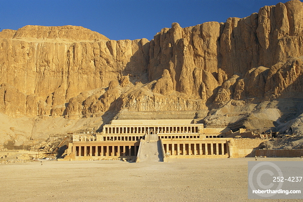 The Temple of Hatsepsut, Valley of the Queens, Thebes, Egypt, Africa *** Local Caption ***