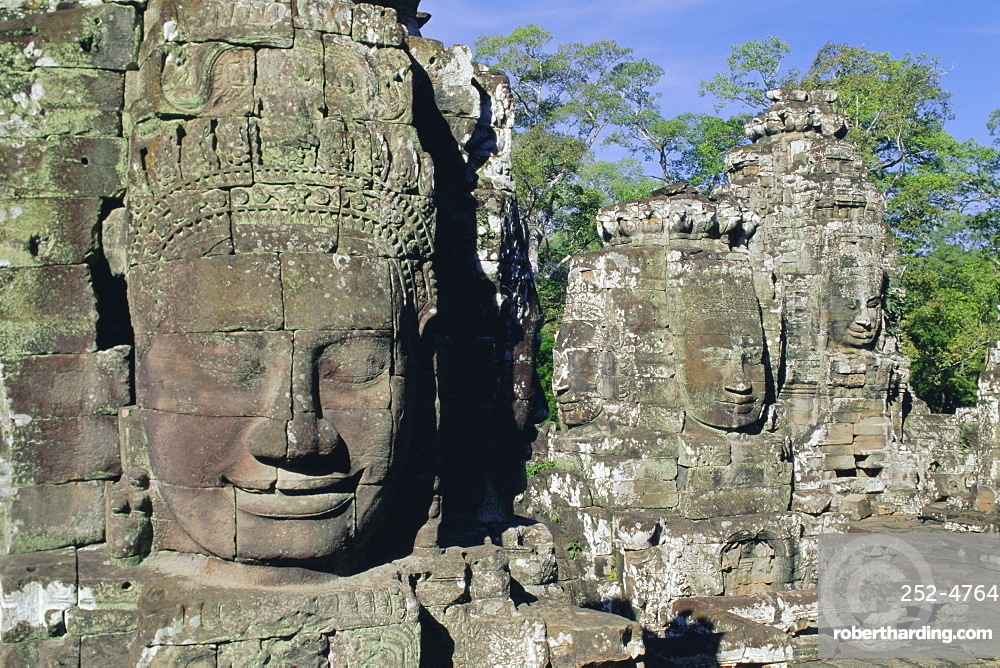 Myriad stone heads typifying Cambodia, the Bayon Temple, Angkor, Siem Reap, Cambodia, Indochina, Asia