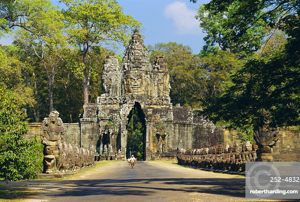 Gateway to the Bayon Temple complex, Angkor, Siem Reap, Cambodia