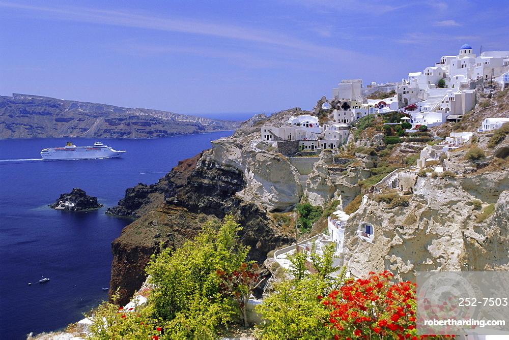 Cruiseship passing the island, Santorini, Cyclades Islands, Greece, Europe
