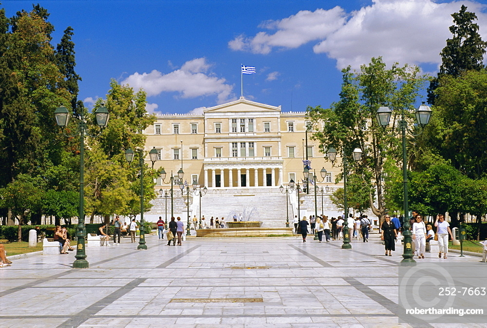 Syntagma Square looking towards the Parliament building, Athens, Greece, Europe
