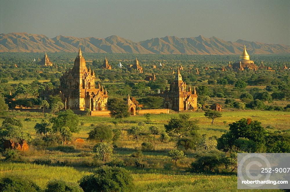 Bagan (Pagan)-Landscape of ancient temples and pagodas, Myanmar (Burma) *** Local Caption ***