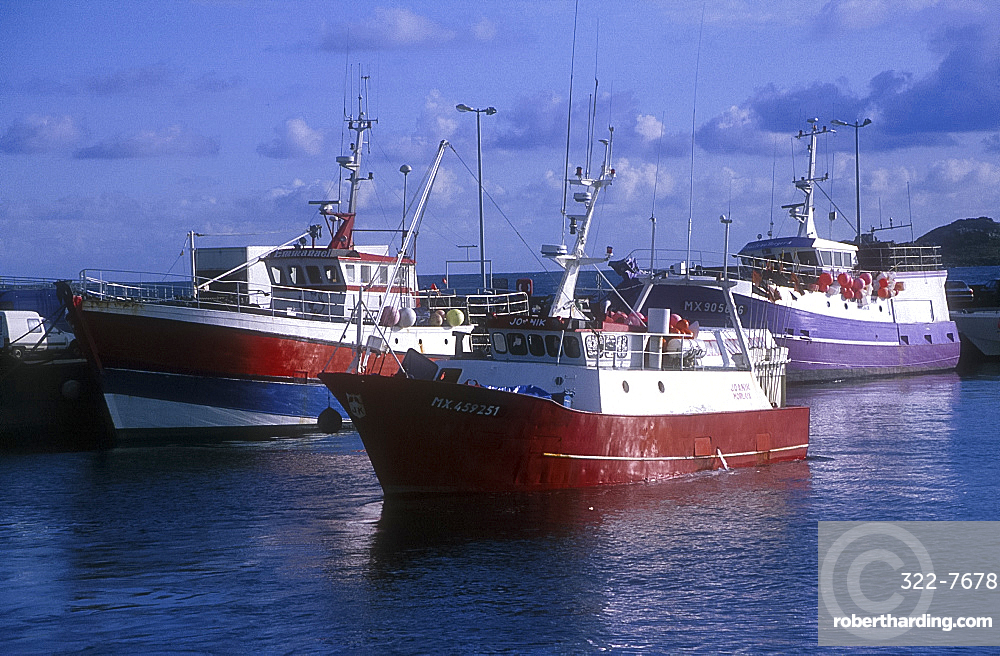 Fishing boats, the harbour, Roscoff, Brittany, France *** Local Caption ***