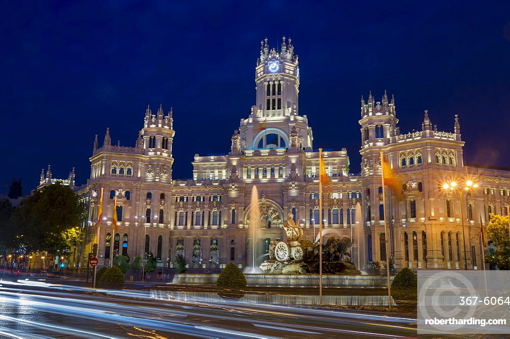 Plaza de Cibeles Palace (Palacio de Comunicaciones) at dusk, Plaza de Cibeles, Madrid, Spain, Europe