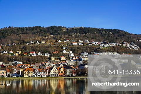 View to Mount Floyen, Lille Lungegard lake, Bergen, Norway, Scandinavia, Europe
