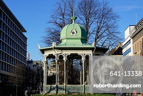 Pavilion at the Ne Olle Bulls Square, Bergen, Hordaland, Norway, Scandinavia, Europe