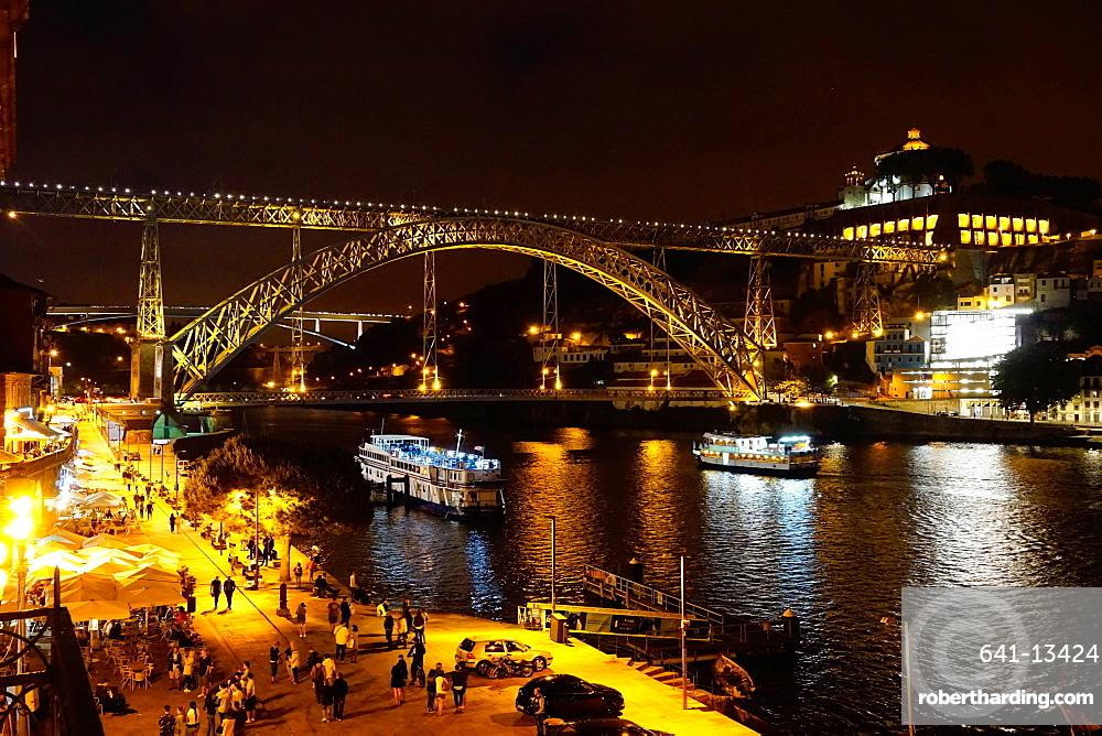 Ponte de Dom Luis I over River Douro at night, Porto (Oporto), Portugal, Europe