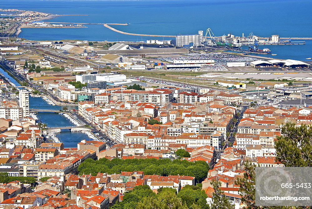 Port and town, Sete, Herault, Languedoc-Roussillon region, France, Europe
