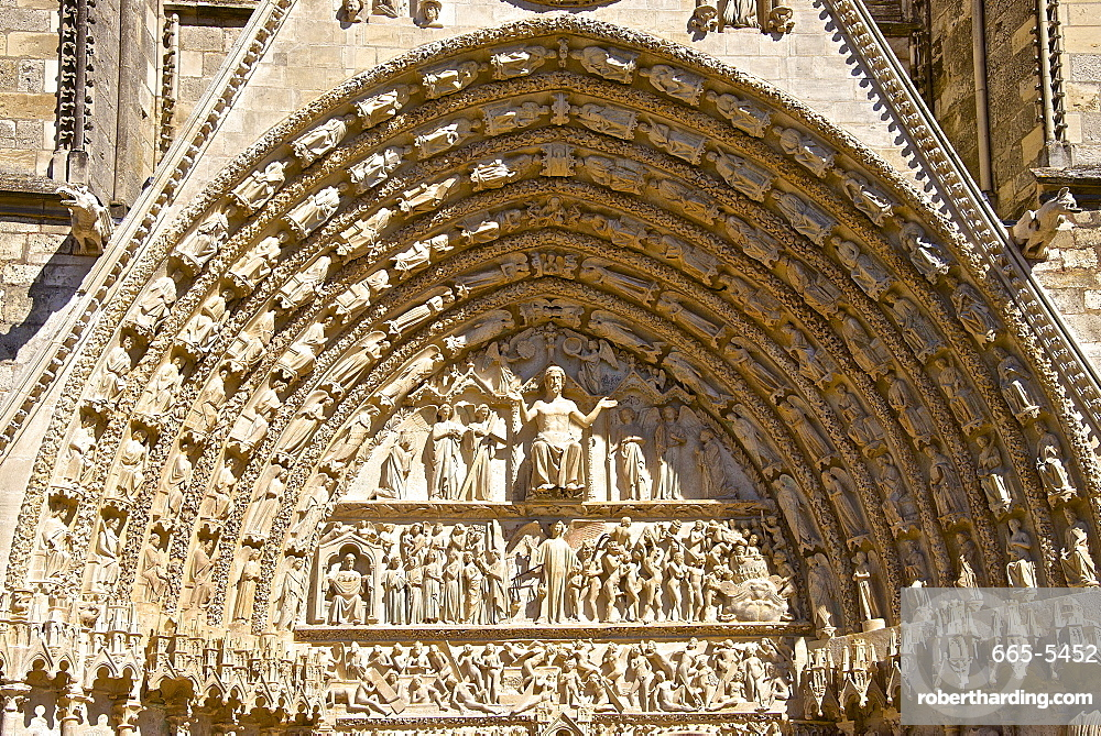 Cathedral Saint Etienne, dating from the 12th to 14th centuries, in Gothic style, central tympanum, UNESCO World Heritage Site, Bourges, Cher, Centre, France, Europe