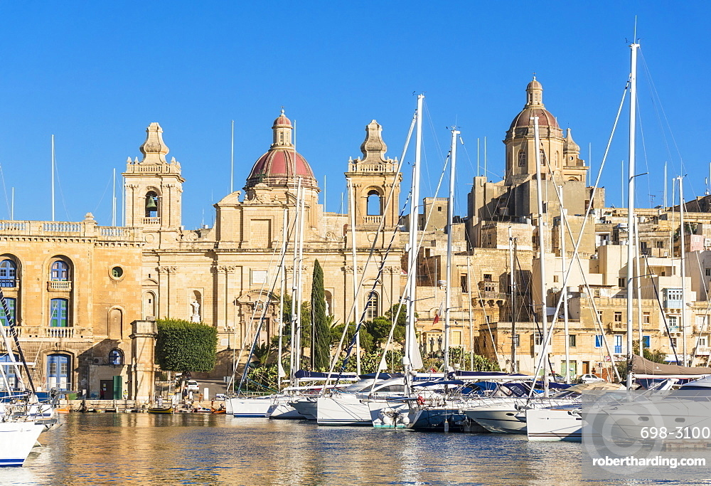 Vittoriosa waterfront wharf, St. Lawrence's Church, Dockyard Creek, Birgu, The Three Cities, Valletta, Malta, Mediterranean, Europe