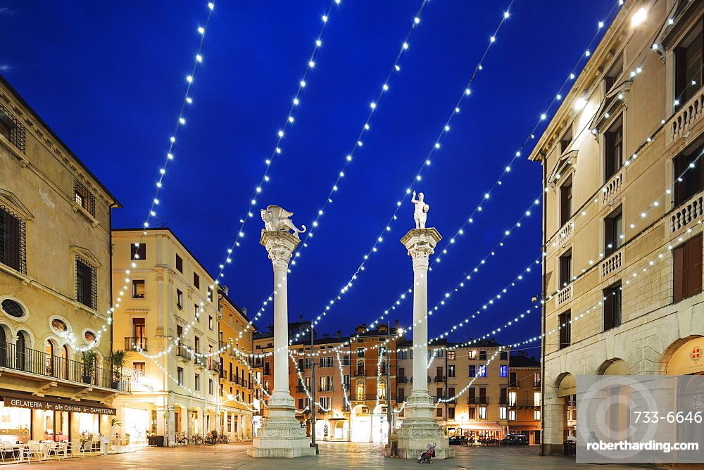 Christmas decorations in Piazza Signori, Vicenza, UNESCO World Heritage Site, Veneto, Italy, Europe