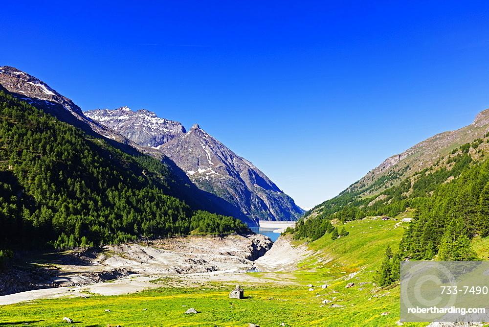 Lake Place Moulin glacial reservoir, Aosta Valley, Italian Alps, Italy, Europe