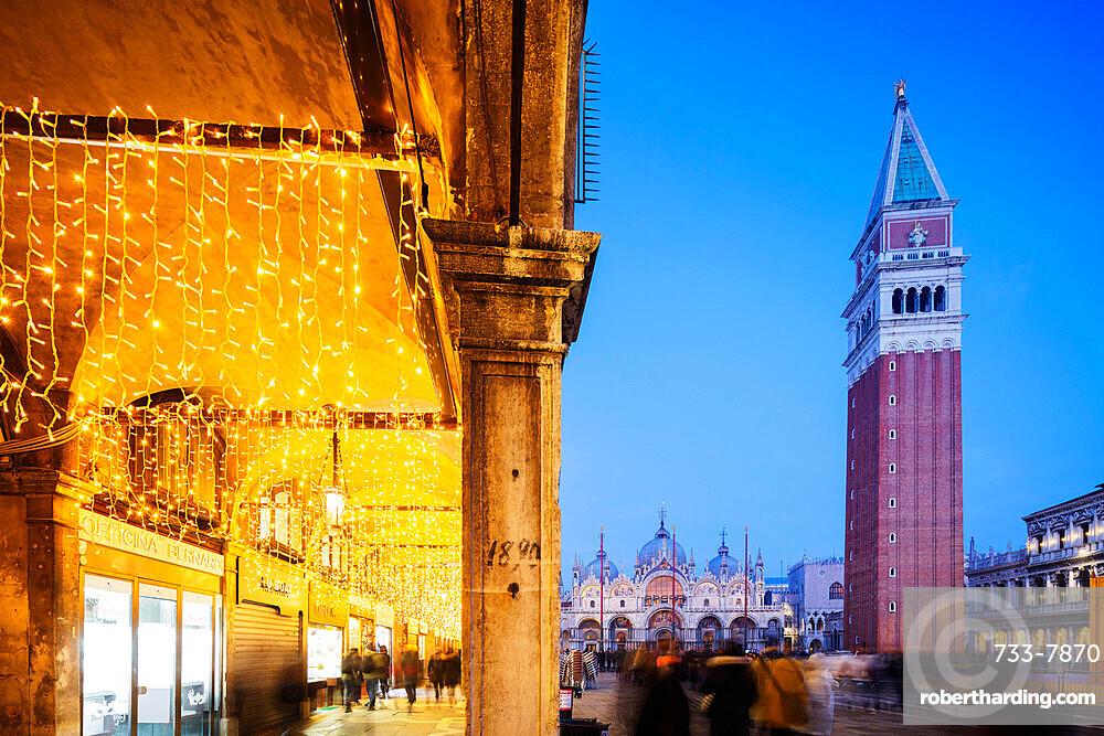 St. Marks Square, St. Mark's Basilica and Campanile, San Marco, Venice, UNESCO World Heritage Site, Veneto, Italy, Europe