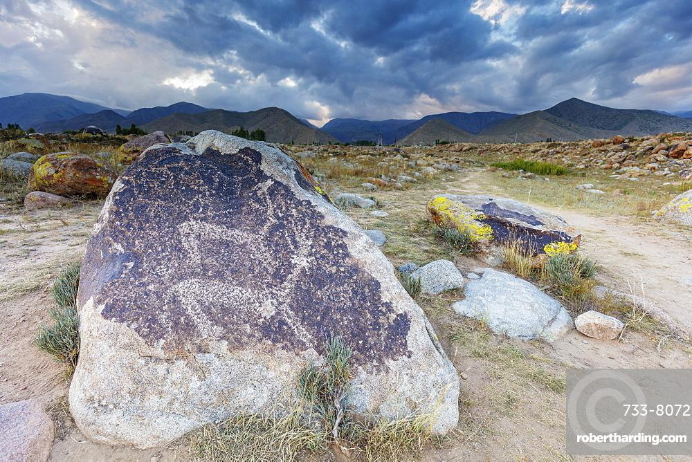 Petroglyphs dated around 1000 BC, Cholpon Ata, Kyrgyzstan, Central Asia, Asia