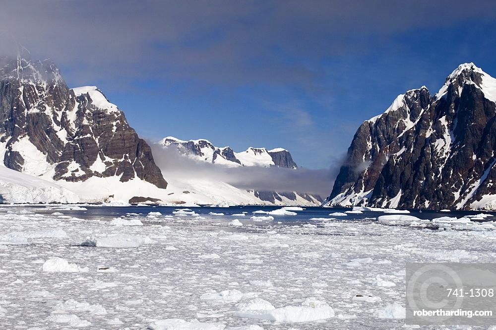 Lemaire Channel, Antarctic Peninsula, Antarctica, Polar Regions
