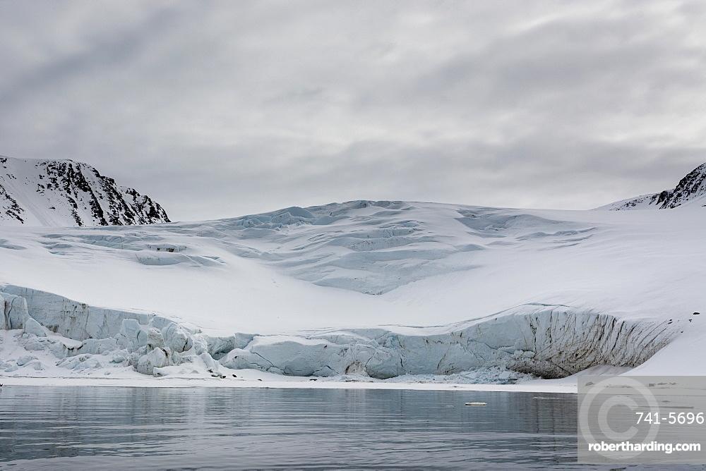 Fuglefjorden, Spitsbergen, Svalbard Islands, Arctic, Norway, Europe