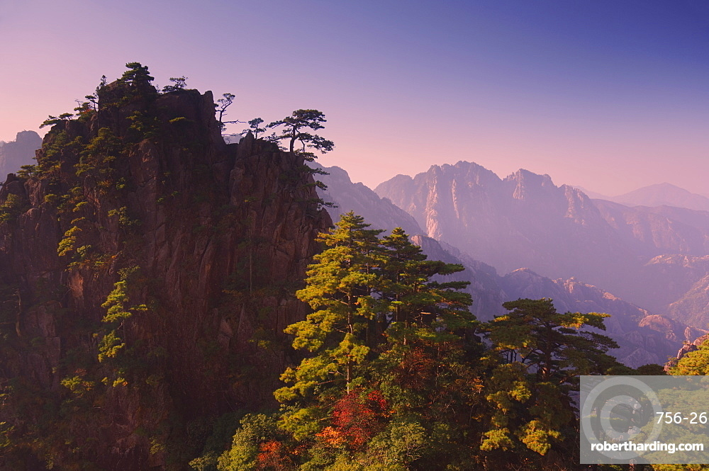 White Cloud scenic area, Huang Shan (Yellow Mountain), UNESCO World Heritage Site, Anhui Province, China, Asia