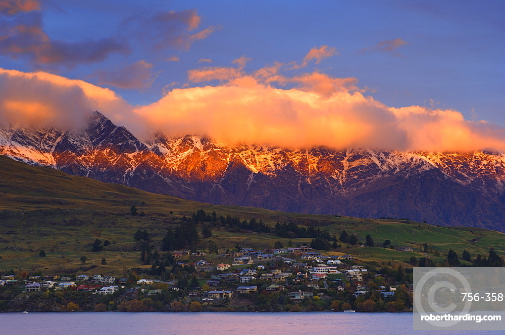 Queenstown and The Remarkables, Central Otago, South Island, New Zealand, Pacific