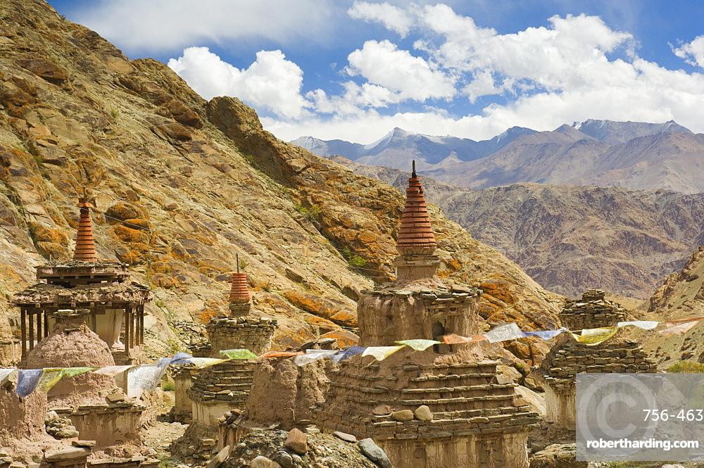 Chortens, Hemis gompa (monastery), Hemis, Ladakh, Indian Himalayas, India, Asia
