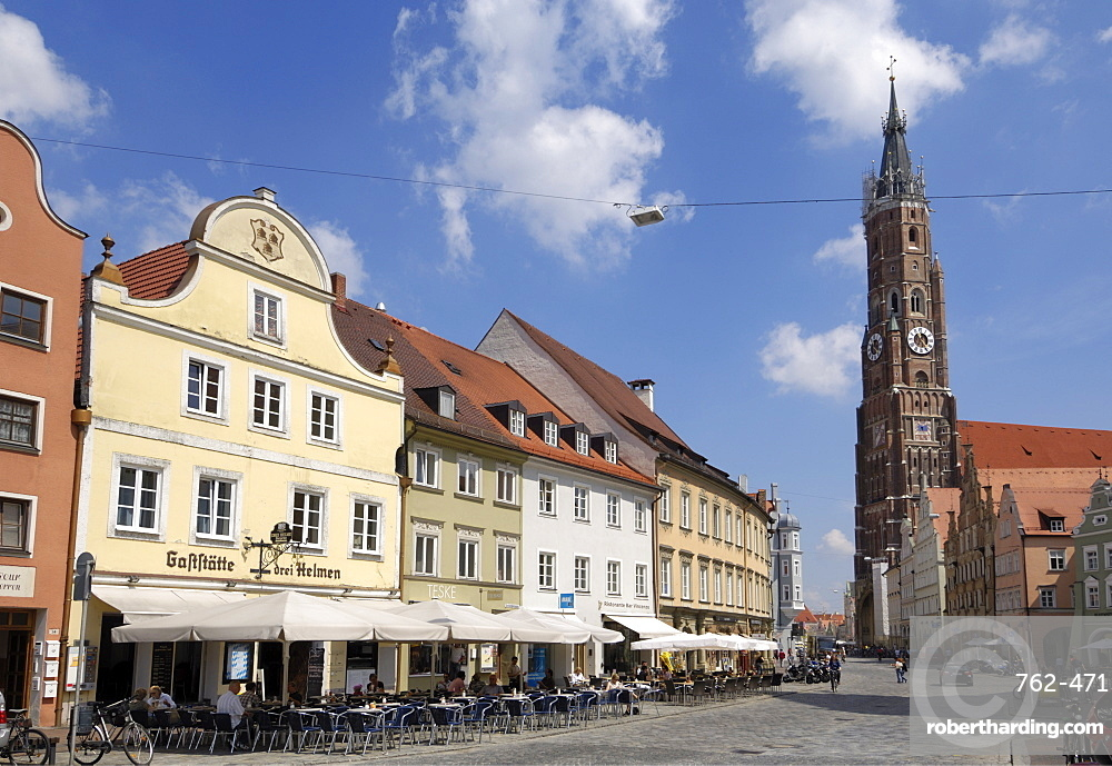 View looking towards the Basilica St. Martin, Altstadt, Landshut, Bavaria, Germany, Europe