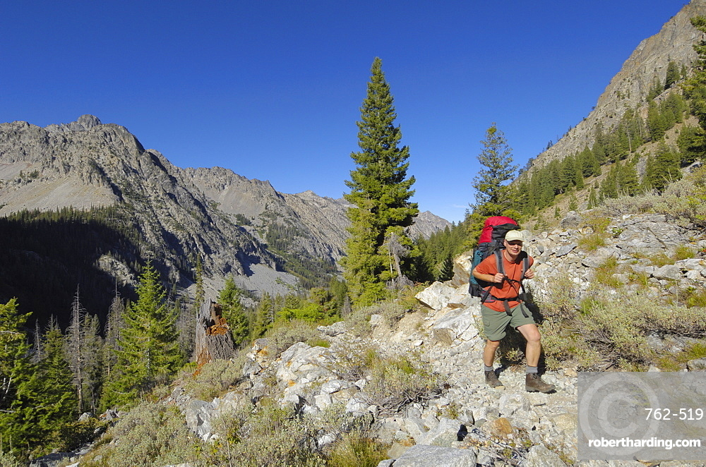 Hiking in the Baron Creek valley, Sawtooth Mountains, Sawtooth Wilderness, Sawtooth National Recreation Area, Rocky Mountains, Idaho, United States of America, North America