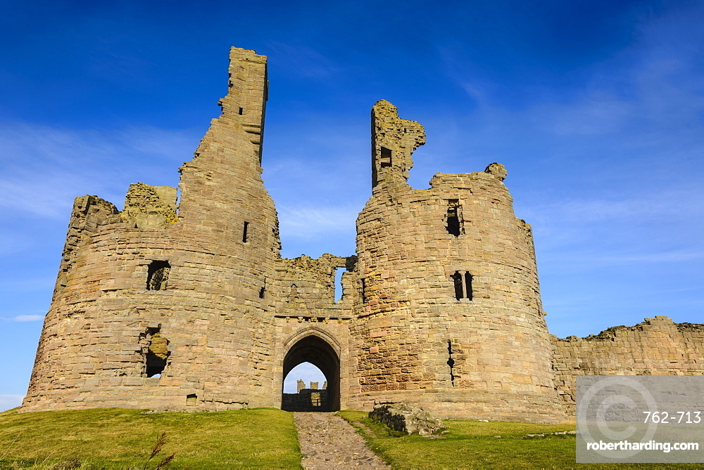 Dunstanburgh Castle, Northumberland, England, United Kingdom, Europe