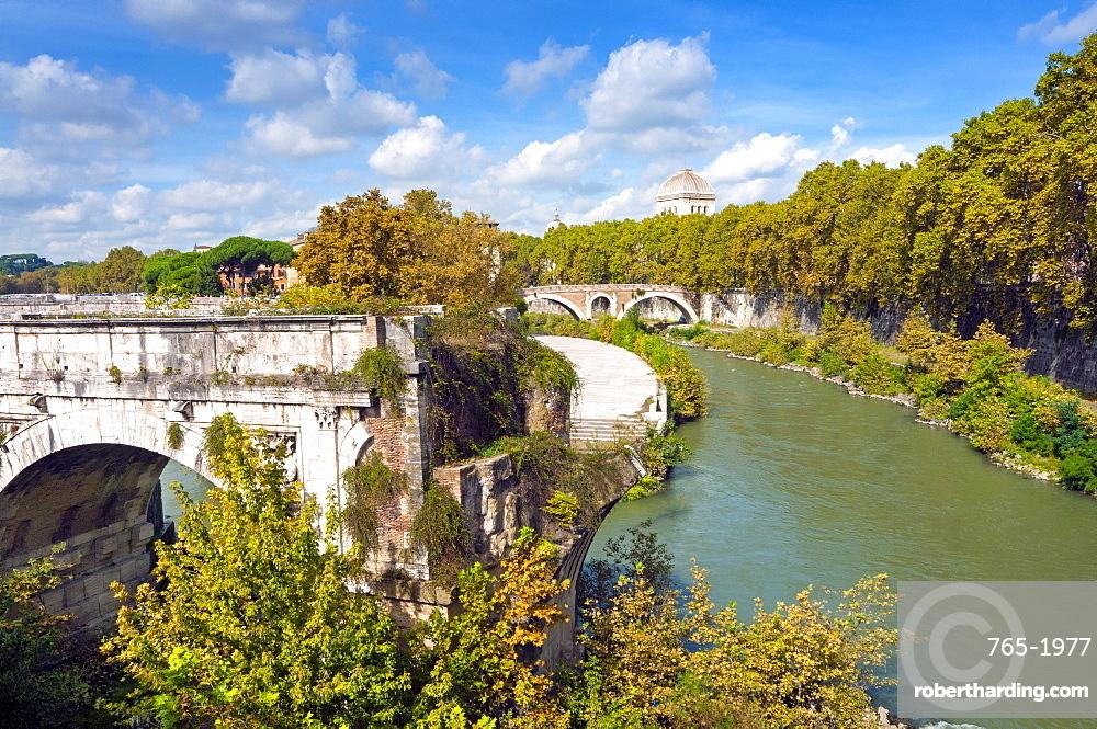 Ponte Emilio (Ponte Rotto), Fabricius' Bridge behind, Rome, UNESCO World Heritage Site, Lazio, Italy, Europe