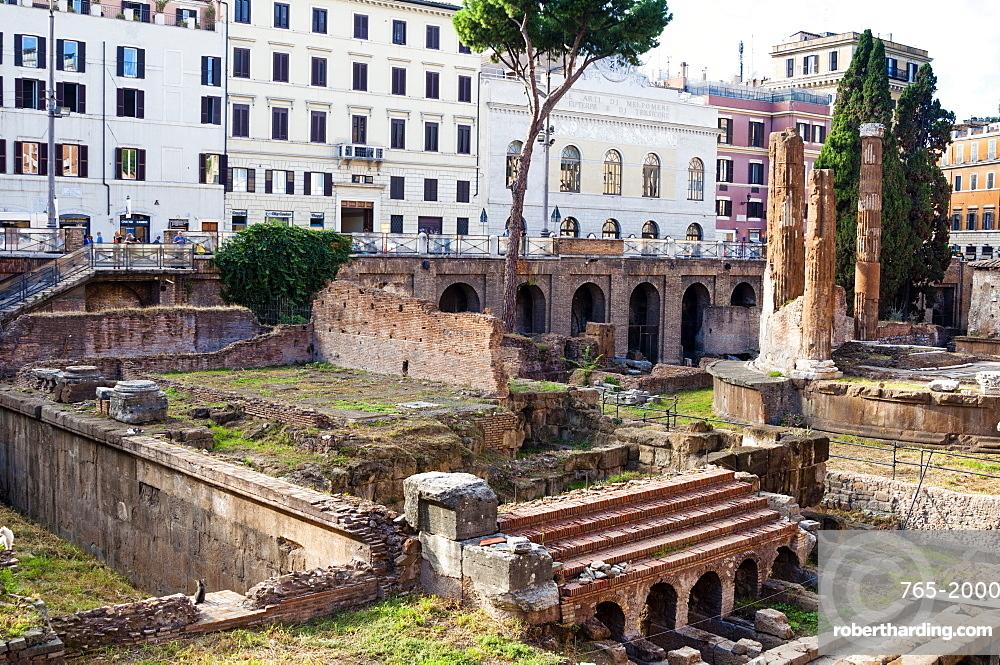 Ruins of Roman temples at Area Sacra di Largo di Torre Argentina, Rome, UNESCO World Heritage Site, Lazio, Italy, Europe